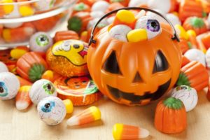Halloween pail and candy tips from your Carlisle dentist
